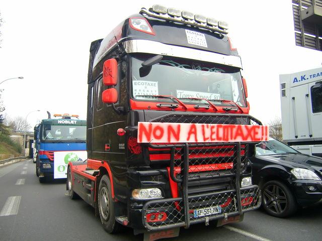 les transporteurs routiers ne rejoindront pas les blocages du 17 novembre. Black Bedroom Furniture Sets. Home Design Ideas